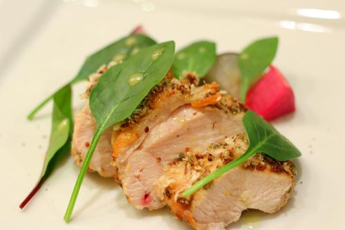 抗生物質不使用の茜鶏の香草パン粉焼き