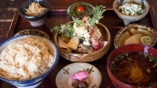 島野菜のベジタリアン天ぷらがいただける『島やさい食堂てぃーあんだ』 / 読谷・沖縄
