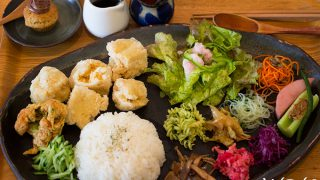 "Vegan & Non Vegan Curry and Ethnic Food ""Dechibica"" / Yomitan, Okinawa"