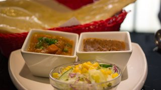 "Vegan-Friendly Indian ""Bollywood Dream"" / Chatan, Okinawa"